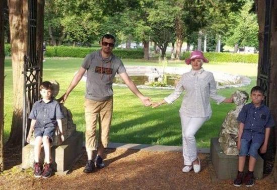 Halah Al-Obaidi and family
